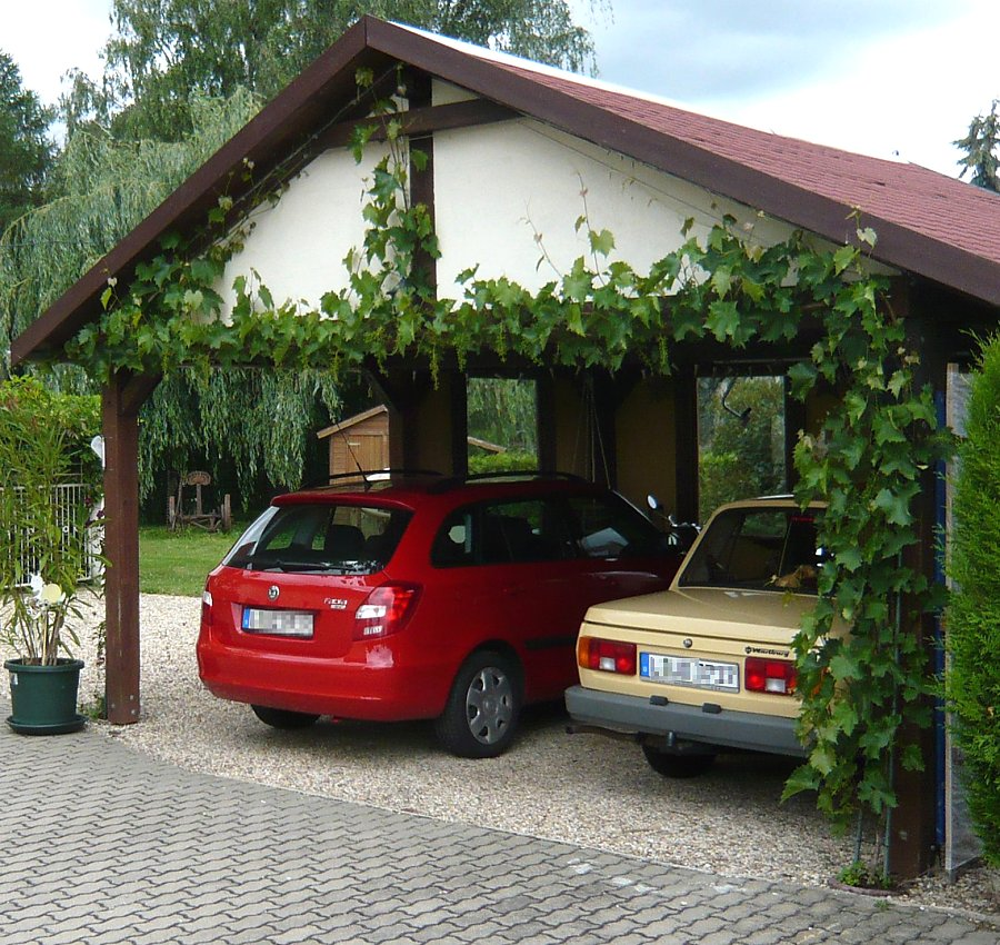 blickdichte carport begr nung mit drahtseilen. Black Bedroom Furniture Sets. Home Design Ideas