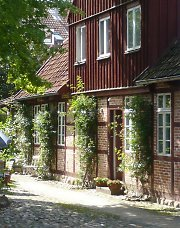 House greening with roses in Eutin/Ostholstein
