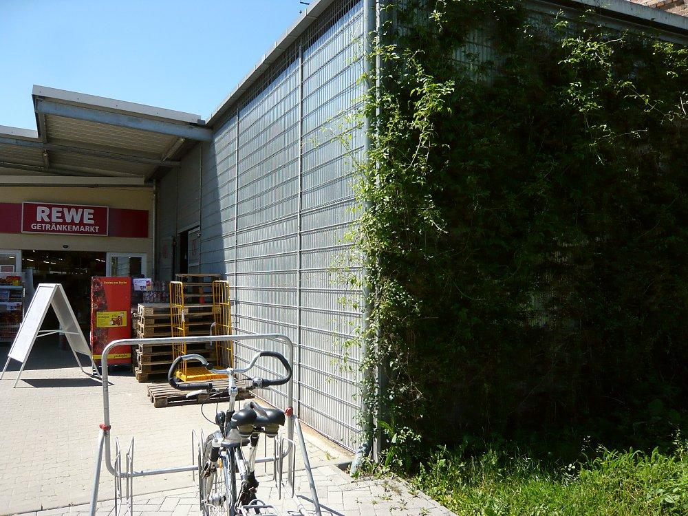 fassadengruen: drahtmatten aus metall - verwendung als rankgitter, Hause und Garten