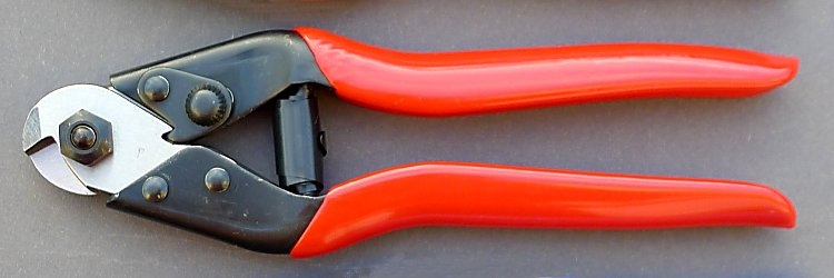 Wire cable cutters